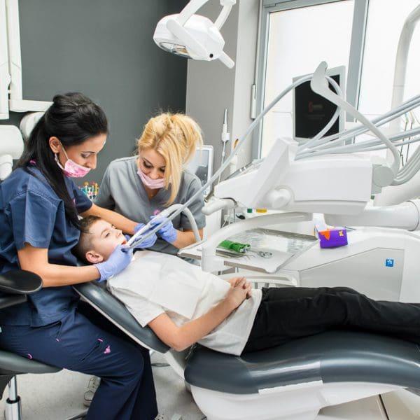 Specjalistyczna opieka stomatologiczna