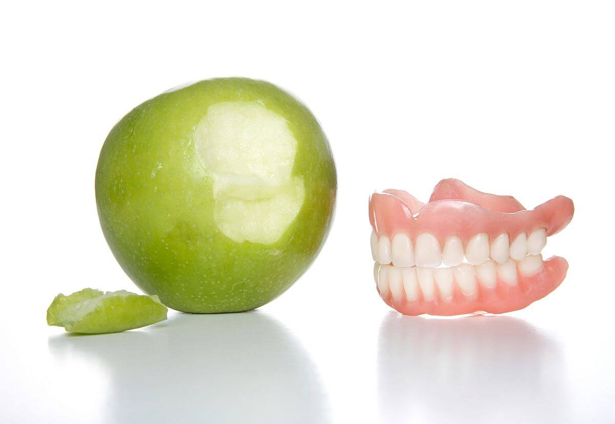 Powody przebarwienia zębów