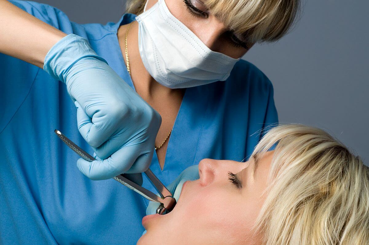 Postępowanie po usunięciu zęba Białystok
