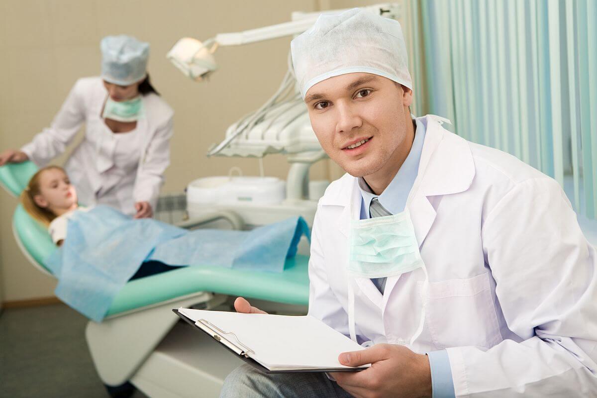 Chirurgia stomatologiczna a wybór znieczulenia Białystok