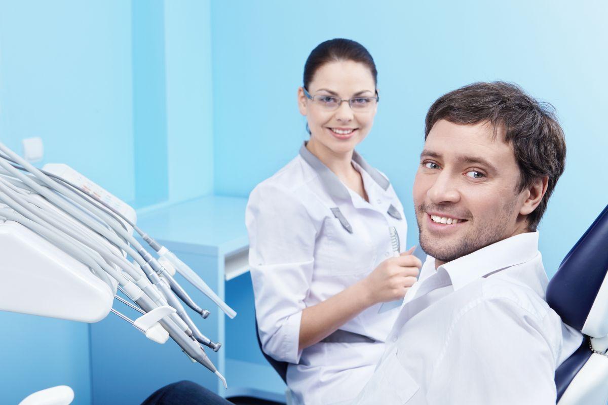 Chirurg stomatolog, czyli praktyka realizowana w sali operacyjnej